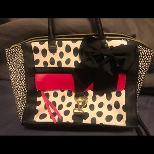 *Betsey Johnson* Like new bag